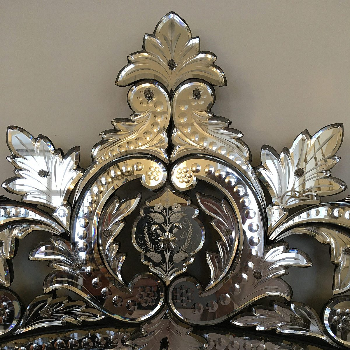 HM Wiener Spiegel Detail1