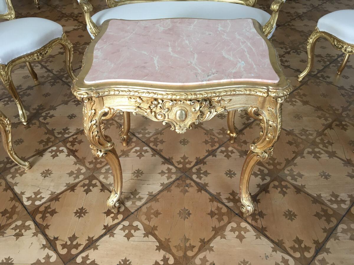 HM Salonsitzgruppe Tisch Detail3